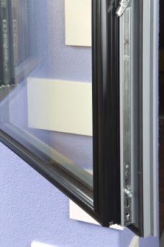 Servitude de vue : fenêtre vis à vis et voisinage | Les Clés ...