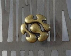 bouton de meuble façon baroque