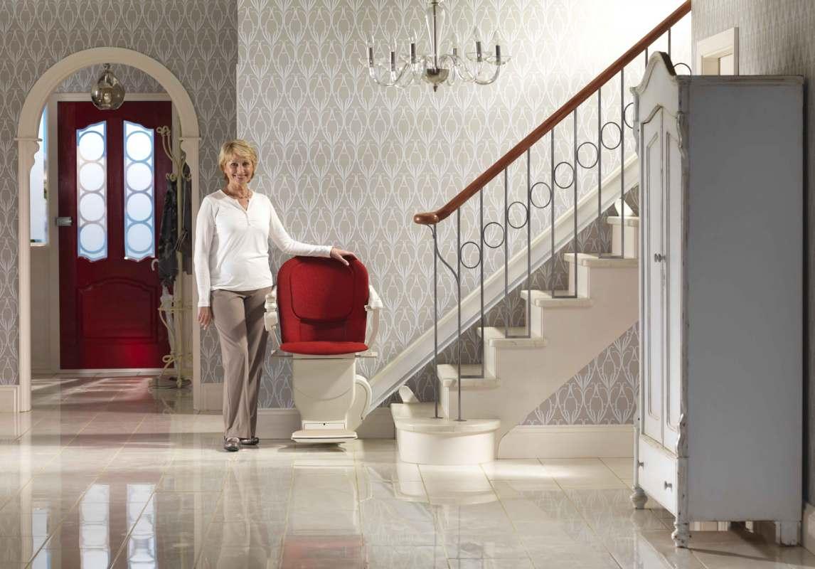 le monte escalier lectrique stannah les cl s de la maison. Black Bedroom Furniture Sets. Home Design Ideas