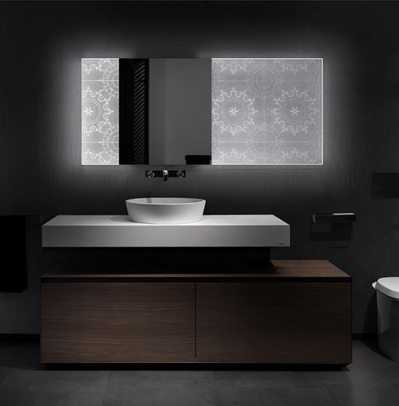 Un miroir holographique pour une salle de bain lumineuse