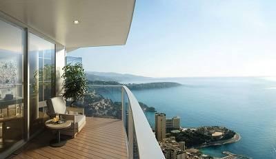 Vue vertigineuse depuis l'appartement de la tour Odéon à Monaco