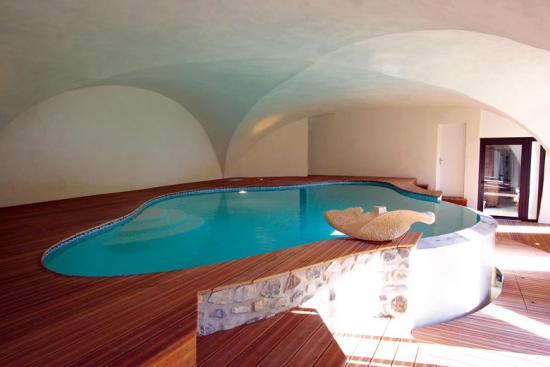 Les 15 plus belles piscines priv es id es pour une for Piscine hors sol avec escalier interieur