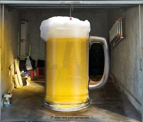sticker porte de garage: une chope de bière géante