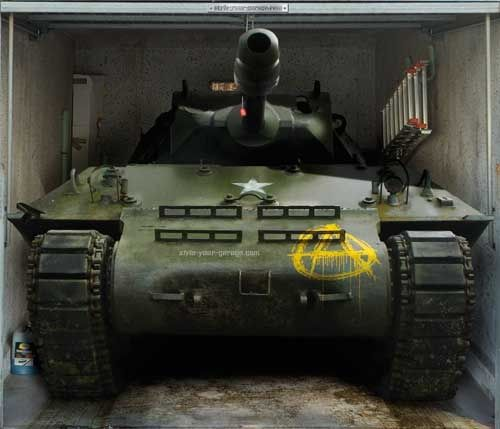 sticker porte de garage: tank dans un garage