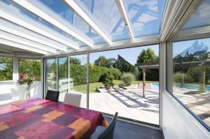 véranda avec muret, toit en vitrage