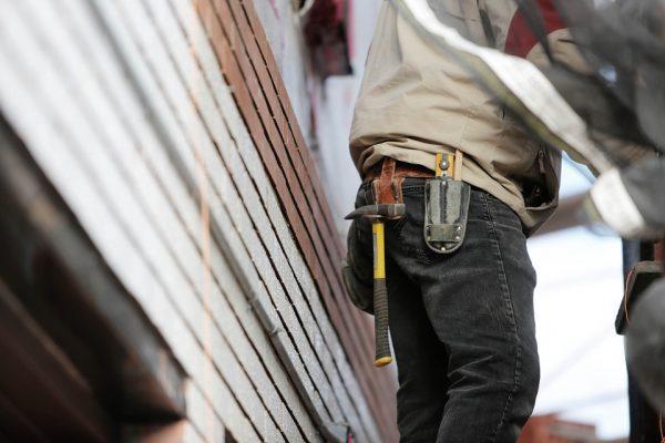 Que faire lorsque l'artisan abîme votre maison ?
