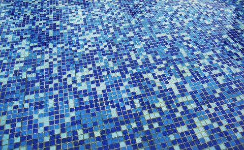 Comment fonctionne l'ouverture d'une piscine à fond mobile
