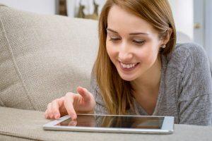 femme tablette devis travaux