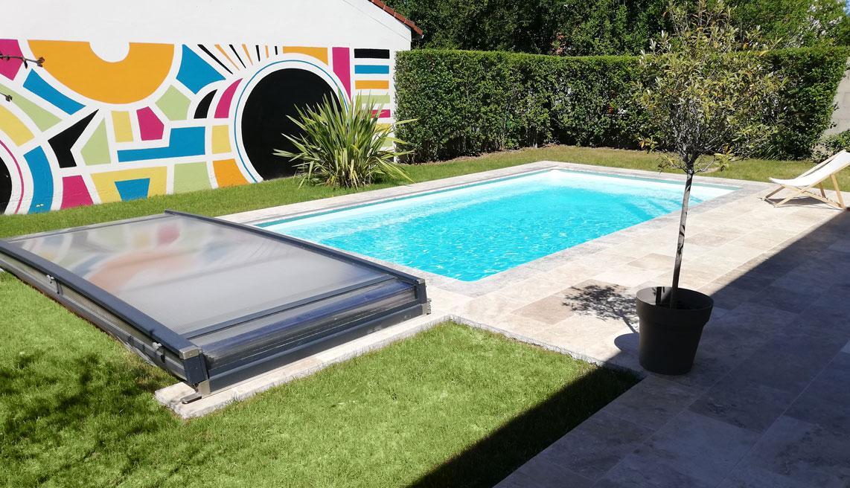 belle piscine découverte