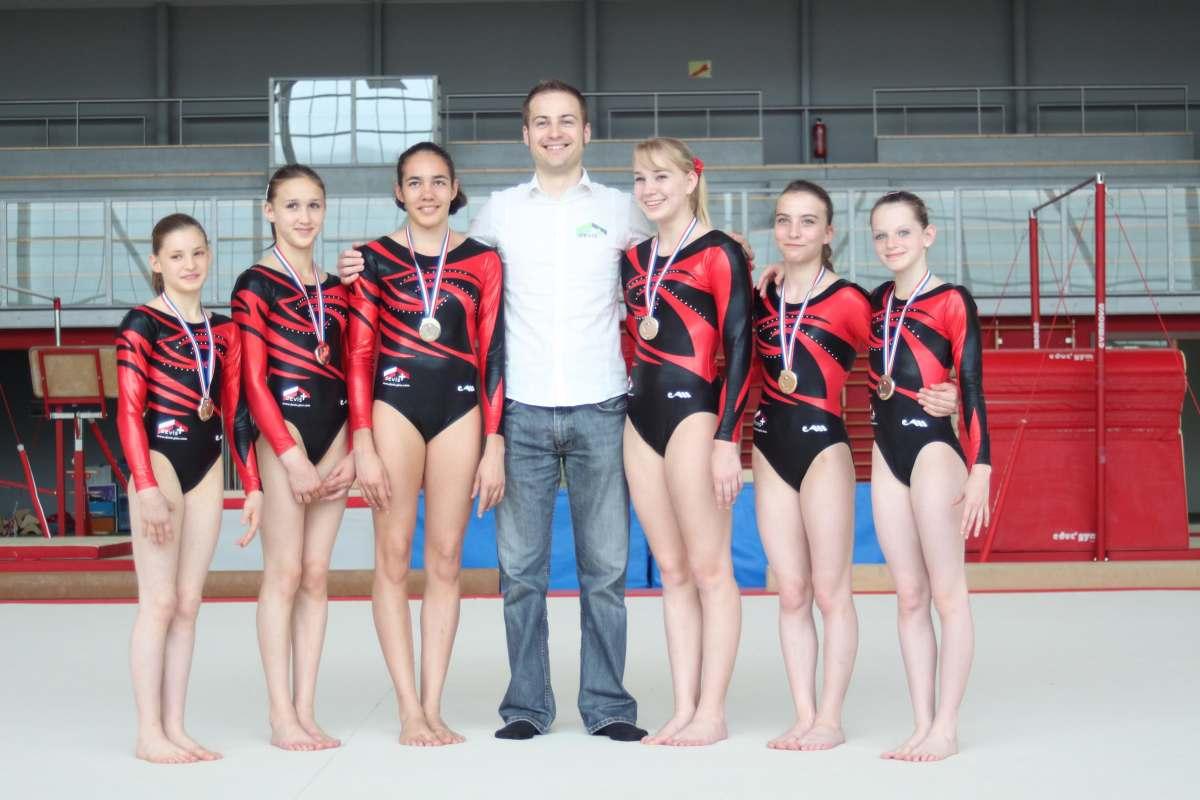 Anne Kuhm et son équipe avec Laurent Weiss