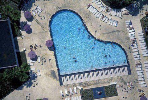 Votre piscine de rêve: 14 formes incroyables!