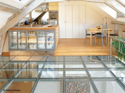 Le plancher en verre, un regain de lumière dans votre maison
